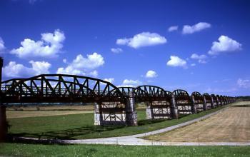 Eisenbahnbrückenruine Dömitz thumbnail